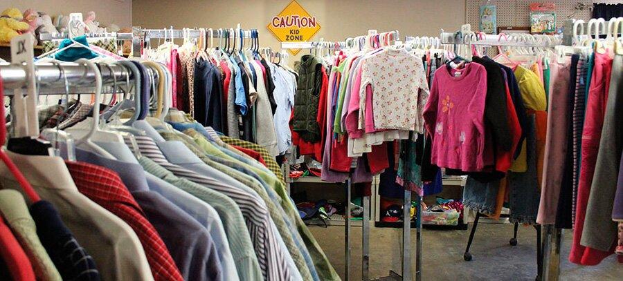 Управление запасами в небольшом магазине одежды
