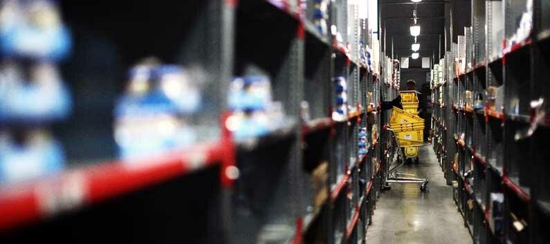 Отслеживание движения товарных остатков на складах и в рознице